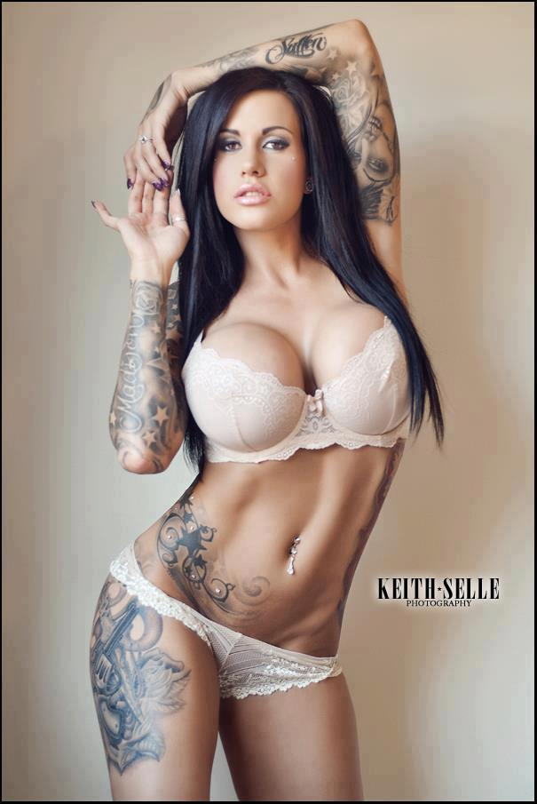 Gorgeous girls tattoos for Nude women tattoo