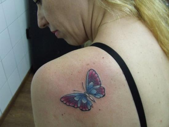 butterfly tattoos on shoulder shoulder butterfly tattoo designs. Black Bedroom Furniture Sets. Home Design Ideas