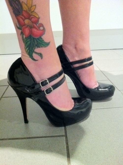 ankle tattoo designs,ankle tattoos,ankle tattoo designs for women,feminine tattoos for ankle,female ankle tattoo designs