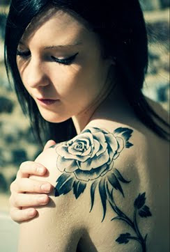 rose tattoo designs,best rose tattoos,top rose tattoo designs,black rose tattoo designs,simple red rose tattoo designs