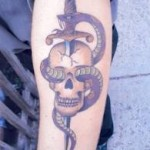 Dagger-and-Skull-Design-Tattoo-4
